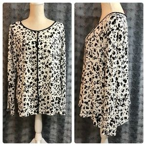 Vince Camuto Size Large Blouse Black White NEW